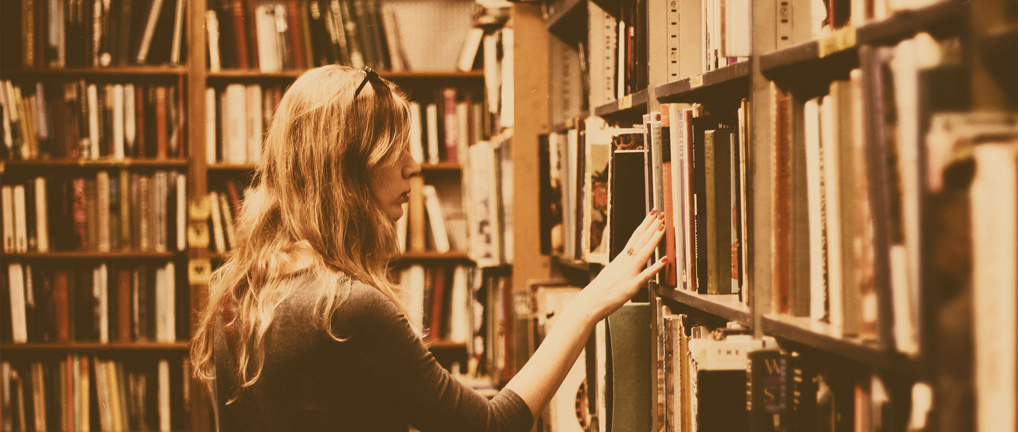 Sie sehen das Titelbild unseres Best Practice Beitrags zu den Bücherhallen Hamburg.